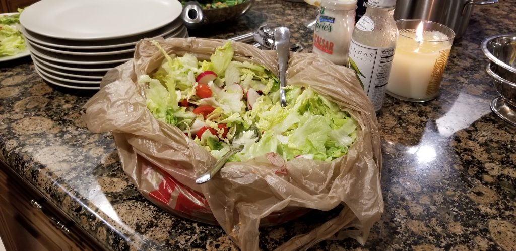 Improvised salad bowl