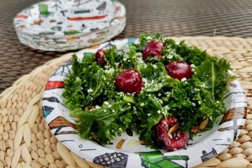 Kale salad with cherries